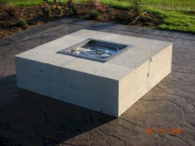 How to make a wood table into an outdoor fire pit with glassel this is a natural gas fire pit it was tested as soon as it turned dark fun now we add the crushed lava rock and glass over that solutioingenieria Images