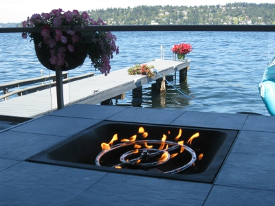 outdoor fire pit with fireglass
